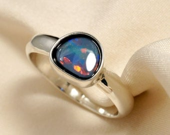 Natural Opal Ring in Sterling Silver - Bright Red Orange Blue Green Fire
