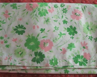Vintage 70's Cottage Chic Pink and Emerald Green Floral Full Flat Sheet - Double Sheet - Flat Bedsheet - Bedding - Linens - Bedroom - Sears