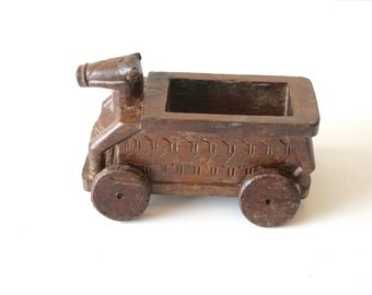 Wooden Pull Toy / Nandi / Antique / Shipping Included
