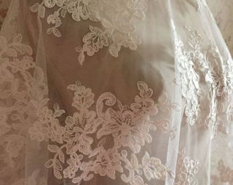 Elegent Alencon Lace Fabric Ivory FloralRetro Bridal Lace New Design Lace fabric For Wedding Dress Fashion Dress Good Quality
