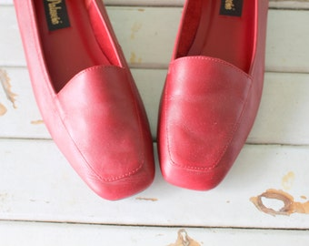 1980s Valentine Oxford Red Flats..size 6.5 womens...shoes. pumps. cherry red. librarian. red flats. closed toed. retro. mod. designer. prep