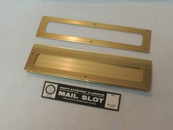 Vintage Mid-Century USA Extruded Aluminum Mail Slot.. Brass Finish