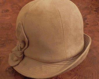 1960's Mod Cloche Style hat
