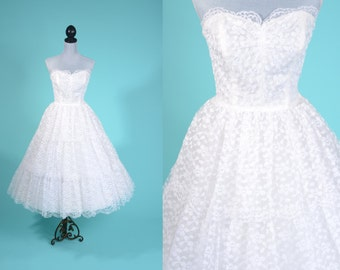Vintage 1950s Strapless Wedding Dress - Emma Domb Tiered White Chantilly Lace - Bridal Fashions