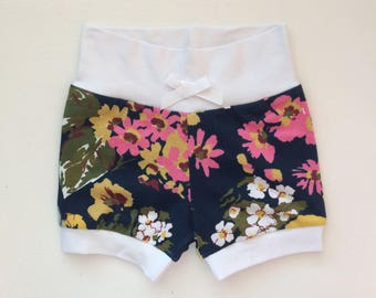Navy Floral Hipster Baby Shorts / Baby Girl Shorts / Bubble Shorts