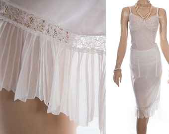 Delightfully feminine 1950's vintage 'Kayser' sheer white nylon jersey and delicate matching floral lace detail full slip petticoat - 3863