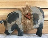 primitive pig shelf sitter-pot bellied pig-pot belly pig-spotted hog-primitive pig decor-farm decor-barnyard-ranch decor-spotted pig