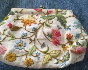Vintage purse handbag clutch crewel embroidery floral flowers