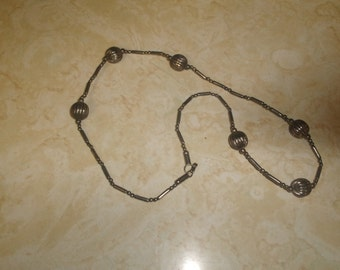 vintage necklace silvertone balls