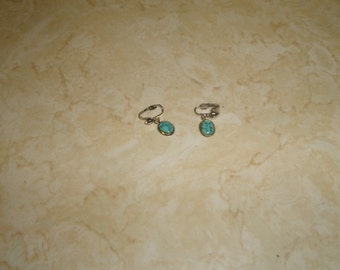 vintage clip on earrings silvertone turquoise dangles