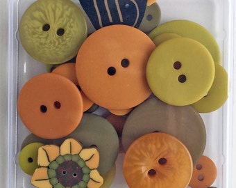 24+ Autumn Squash Flavor Button Pack by Just Another Button Company Co. at thecottageneedle.com Fall Harvest Orange Pumpkin Avocado