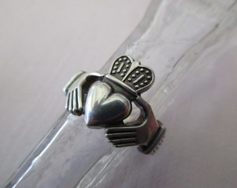 vintage sterling silver ring - Irish, claddagh, size 8.5