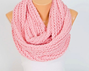 SCARF  SALE Knitting infinity loop  scarf , chunky knit infinity cowl scarf, baby pink