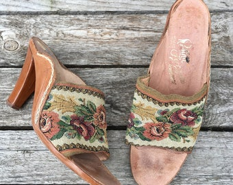 6.5 M | 1970's Tapestry Shoes by Rosina Ferragamo Schiavone Leather High Heels w/ Floral Print