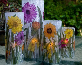 Daisy e-Candle wedding table centerpiece.  LED lighting.  Indoor and outdoor decoration.  Durable acrylic with rice paper.  Photography.