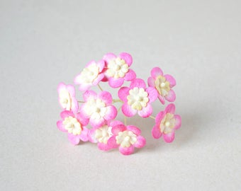 15  mm / 10  mixed cream  hot pink paper flowers