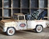 Vintage Toy Tonka Wrecker Truck, White Metal Tow Truck
