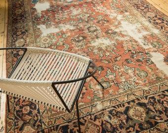 6.5x10 Distressed Mahal Carpet