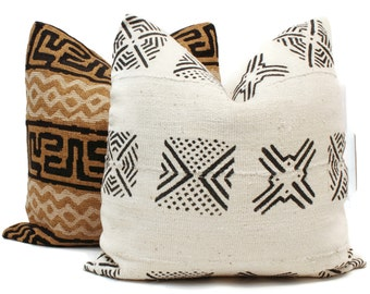 Mud Cloth Pillow, Decorative Pillow Cover Black and White Geometric African Mud Cloth, Hand made fabric from Mali 20x20 or lumbar pillow