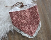 Heirloom fashion floral bibdana decorated with vintage lace
