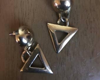Vintage 1980s triangle dangle pierced earrings boho