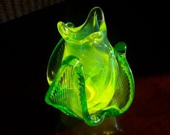 Gorgeous Uranium Vaseline Glass Tulip Floriform Bud Vase Brilliant Color Hand Blown Glass