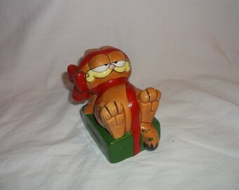 1978 GARFIELD Christmas Present Ho Ho Ho Figurine Cat