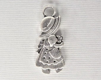 28mm. 5CT. Silver Holly hobby Inspired charms, Y46
