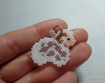 sheep charm, beaded sheep, sheep keychain, sheep jewelry, beaded keychain, beaded charm, brick stitch charm, sheep in beads, beaded sheep