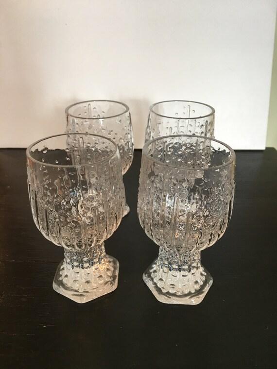 Art Glass Swedish Mid Century Modern Glassware Set of Four Footed Juice / Wine Glasses