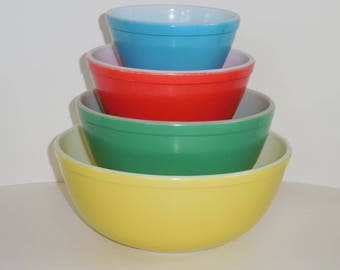 Vintage Primary Colors Pyrex Mixing Bowls