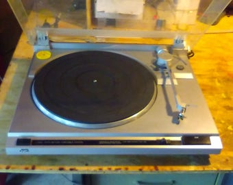 Vintage JVC Auto Return Turntable with Stanton Cartridge and new stylus  45 and 33 speeds, new needle and new belt