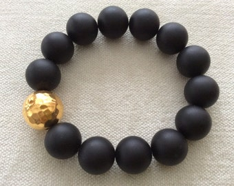 Stackable matte black onyx  with hammered vermeil or sterling silver bead Bracelet . Accessory jewelry for Everyday