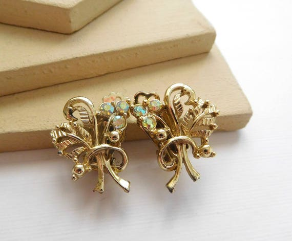 Vintage Signed Delsa Gold AB Rhinestone Victorian Flower Clip On Earrings H23