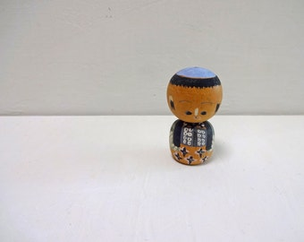 1.6in Vintage Japanese Miniature Wood KOKESHI Doll