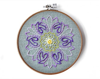 Stickanleitung Blumen Mandala, Wohndekoration, modern Handsticken, DIY sticken, DIY interior