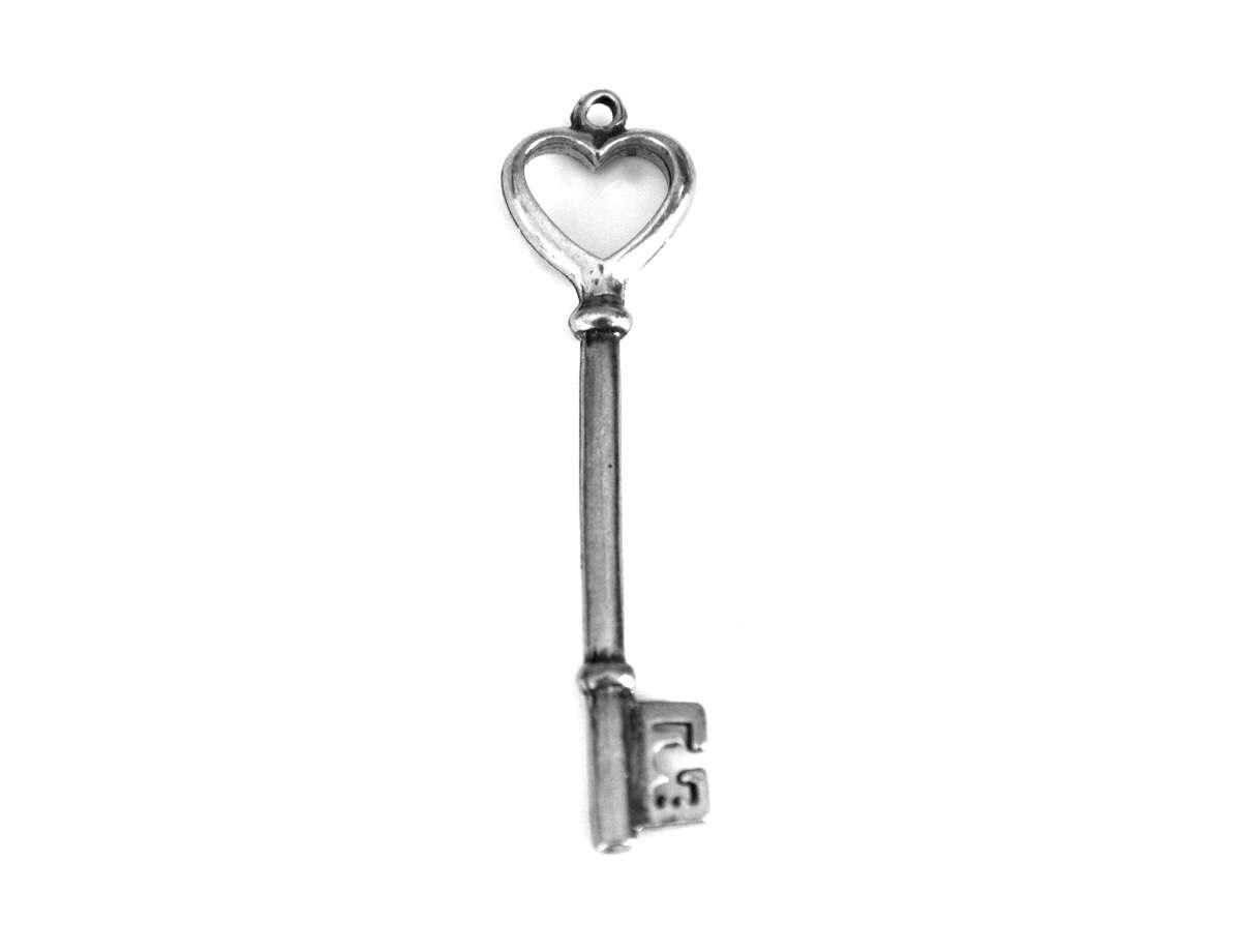 Heart Shaped Skeleton Key Pewter Pendant