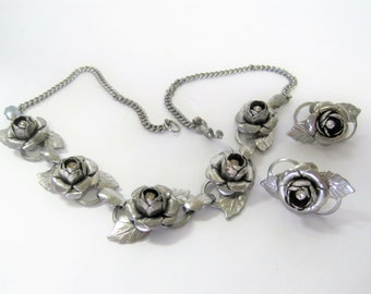 Silver Rose Necklace Set - Rhinestone Centered - Garden Party Choker