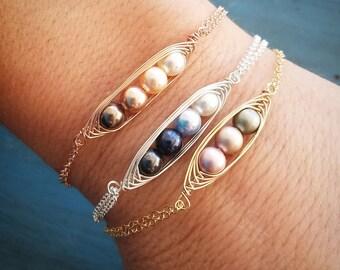 Three Pea Pod Bracelet, Mothers day Jewelry, Personalized Jewelry, Grandma Bracelet, Gift for Mom, 3 Pearl, Swarovski Pearl,gift for Grandma