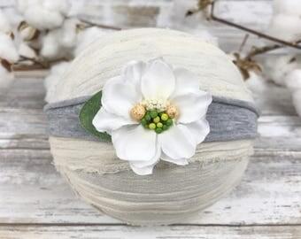 Dainty white flower headband~Fall tieback headband~Photo prop~Photography prop~Prop~Newborn~Toddler~Baby girl~Girl