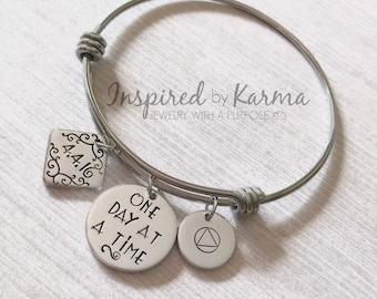 Personalized Sobriety bracelet, Sobriety bangle , Addiction Bracelet, Recovery Bracelet, Keepsake Jewelry, Sobriety Date