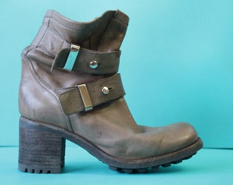 FREE LANCE vintage tan brown distressed leather grunge chunky heel short ankle boots 39.5 9