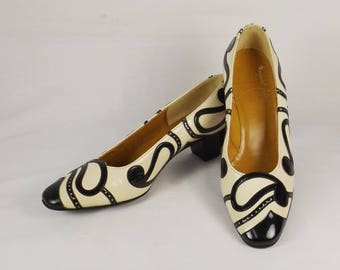 MARGARET JERROLD Black and White Pumps Size 6 M