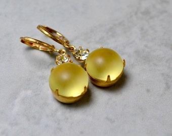 Frosted Yellow Earrings, Lemon Yellow Drop Earrings, Vintage Style Jewelry, Gift Mom, Brass Leverback Earrings, Vintage Glass Earrings, UK