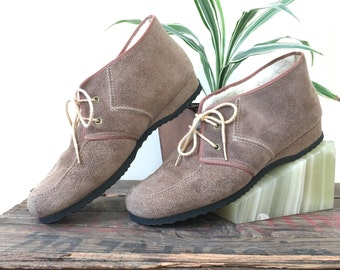 70s suede lace-up booties by Daniel Green | outdorables | fleece lined | appx size 7