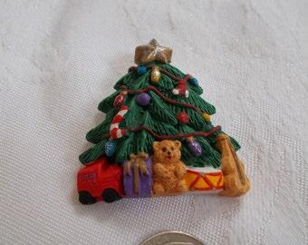 Vintage Christmas Tree Pin-P3100