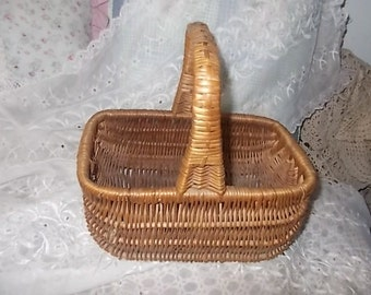 Small Wicker Basket, Wicker Basket, Egg Basket, Storage, Country Decor, Vintage Home Decor, Farm House Decor, Home Decor,  s