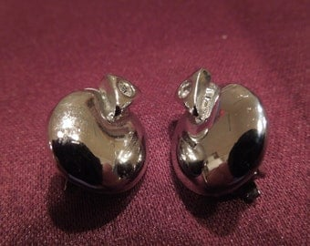 Vintage Clip Earrings, Small Silver Tone with Single Clear Rhinestones.  Nice Condition