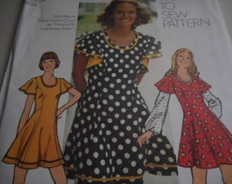 Vintage 1970's Simplicity 5466 Dress Sewing Pattern, Size 12 Bust 34