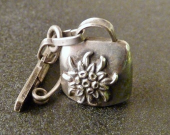 Vintage Dangling  Edelweiss  Round Cow Bell  Alpine Savoie  Charm silver  Charms Bracelet brooch Old pendant Jewelry fv1
